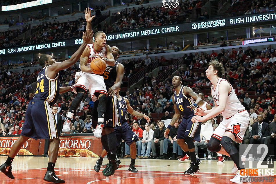 10 March 2012: Chicago Bulls point guard Derrick Rose (1) goes for the layup during the Chicago Bulls 111-97 victory over the Utah Jazz at the United Center, Chicago, Illinois, USA. © Chris Elise
