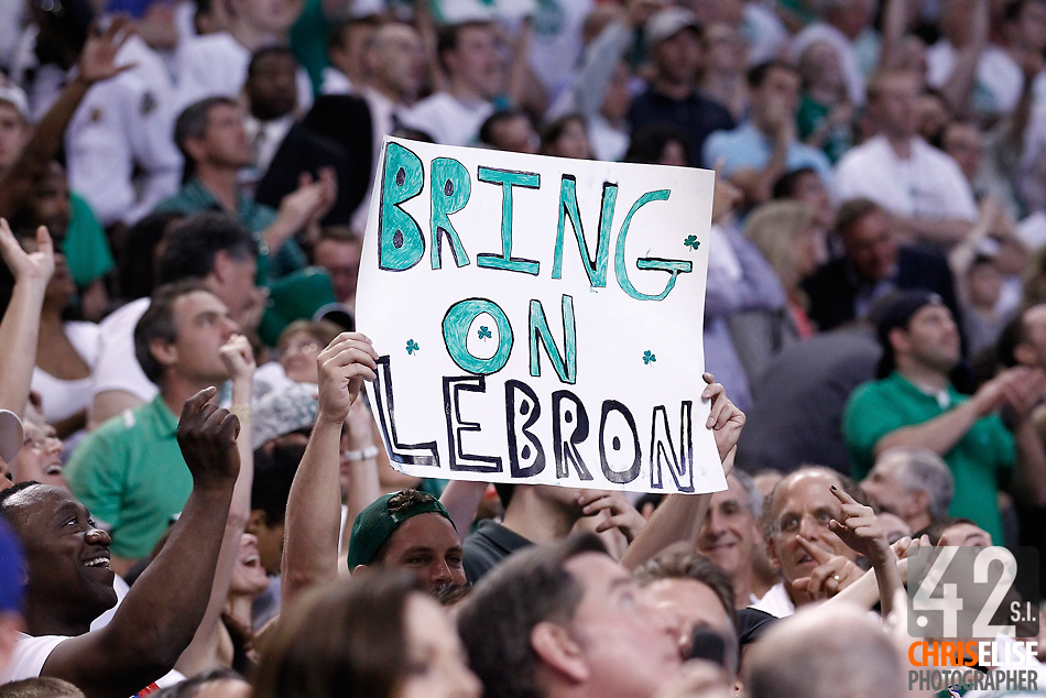 26 May 2012: A fan waives a cardboard at the end of the Boston Celtics 85-75 victory over the Philadelphia Sixer, in Game 7 of the Eastern Conference semifinals playoff series, at the TD Banknorth Garden, Boston, Massachusetts, USA. © Chris Elise