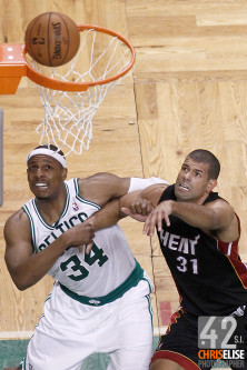 01 June 2012: Boston Celtics small forward Paul Pierce (34) vies for the rebound with Miami Heat small forward Shane Battier (31) during the second half of Game 3 of the Eastern Conference Finals playoff series, Heat vs Celtics, at the TD Banknorth Garden, Boston, Massachusetts, USA. © Chris Elise