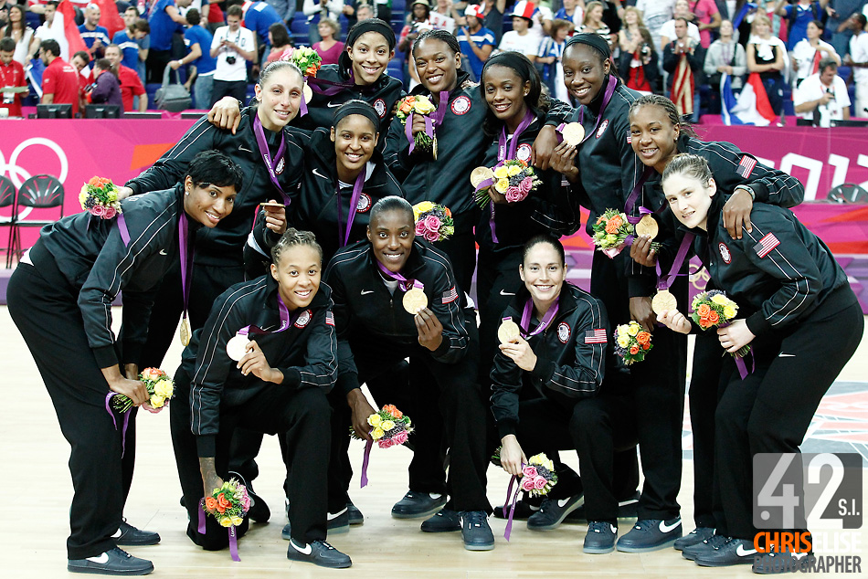 11 August 2012: Team USA poses with the gold media after the 86-50 Team USA victory over Team France, during the Women's Gold Medal Game, at the North Greenwich Arena, in London, Great Britain. © Chris Elise